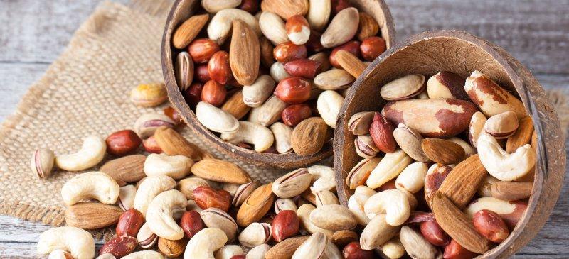 Top_9_Healthiest_Nuts_HEADER